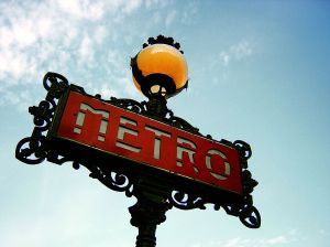 1024px-Paris_Metro_Sign